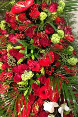 Венок из живых цветов 13