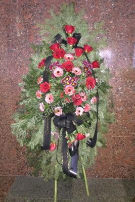 Венок из живых цветов 18