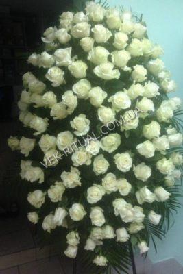 Вінок з живих квітів 25