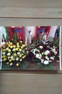 Венок из живых цветов 52