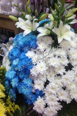 Вінок з живих квітів 27