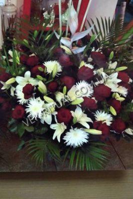 Венок из живых цветов 40