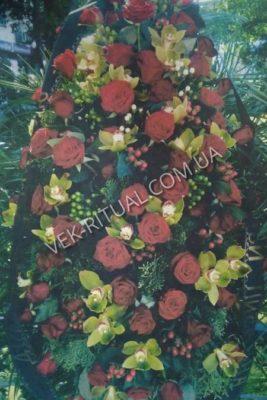 Венок из живых цветов 34
