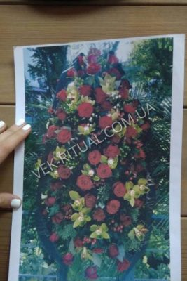 Венок из живых цветов 35