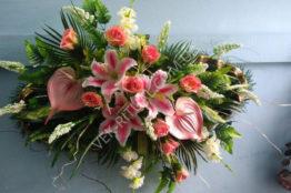 Flower arrangement on the coffin 17