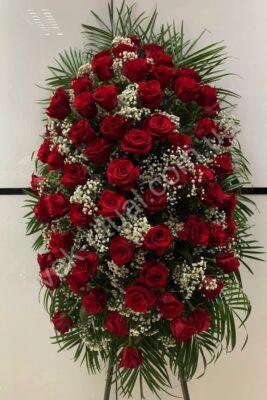 Венок из живых цветов 66