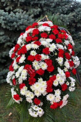 Венок из живых цветов 61