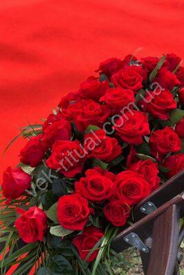 Венки из свежих цветов